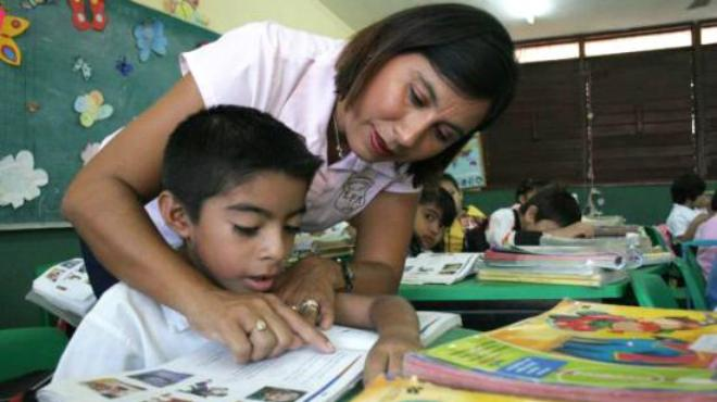 SNTE anuncia incremento salarial para maestros