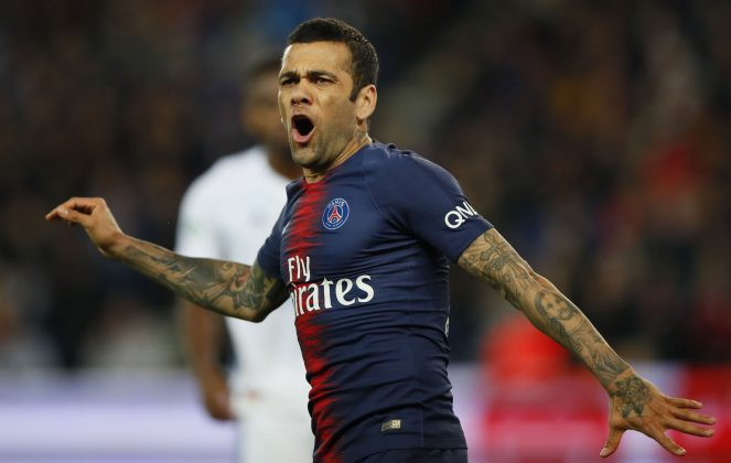 Dani Alves anuncia su salida del PSG
