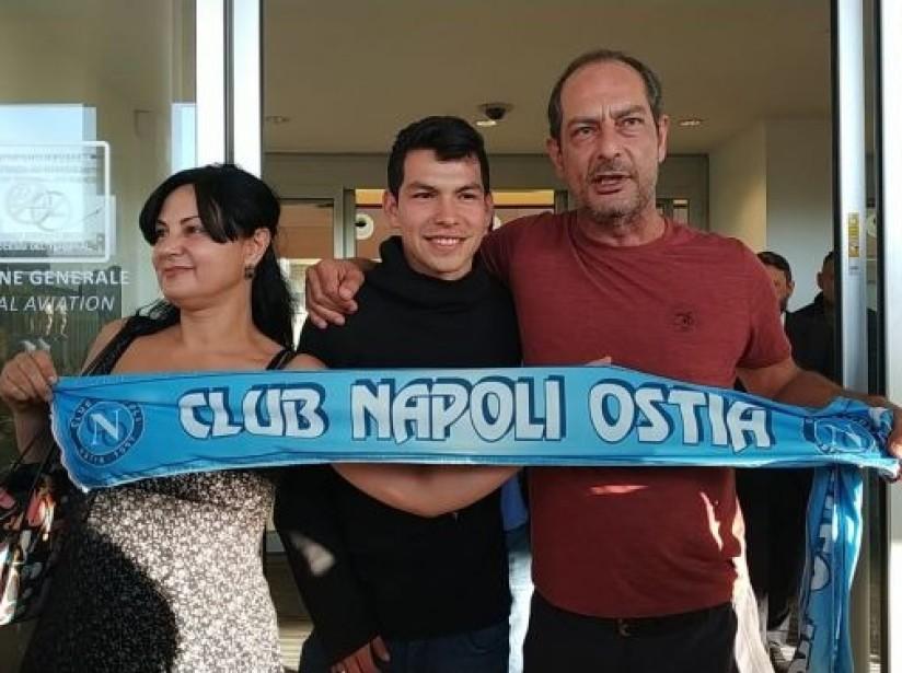 Hirving Lozano llega a Italia para ultimar detalles con el Nápoles